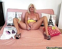 The JOI Show &quot_Yellow with Orgasms&quot_