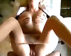 Amateur fuck in the ass in the kitchen