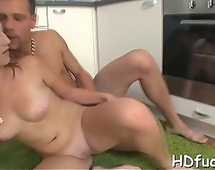 Ardent amateur sweetie gets unfathomable fingering and anal fuck