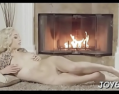 Solo babe masturbates her asshole and snatch with fingers